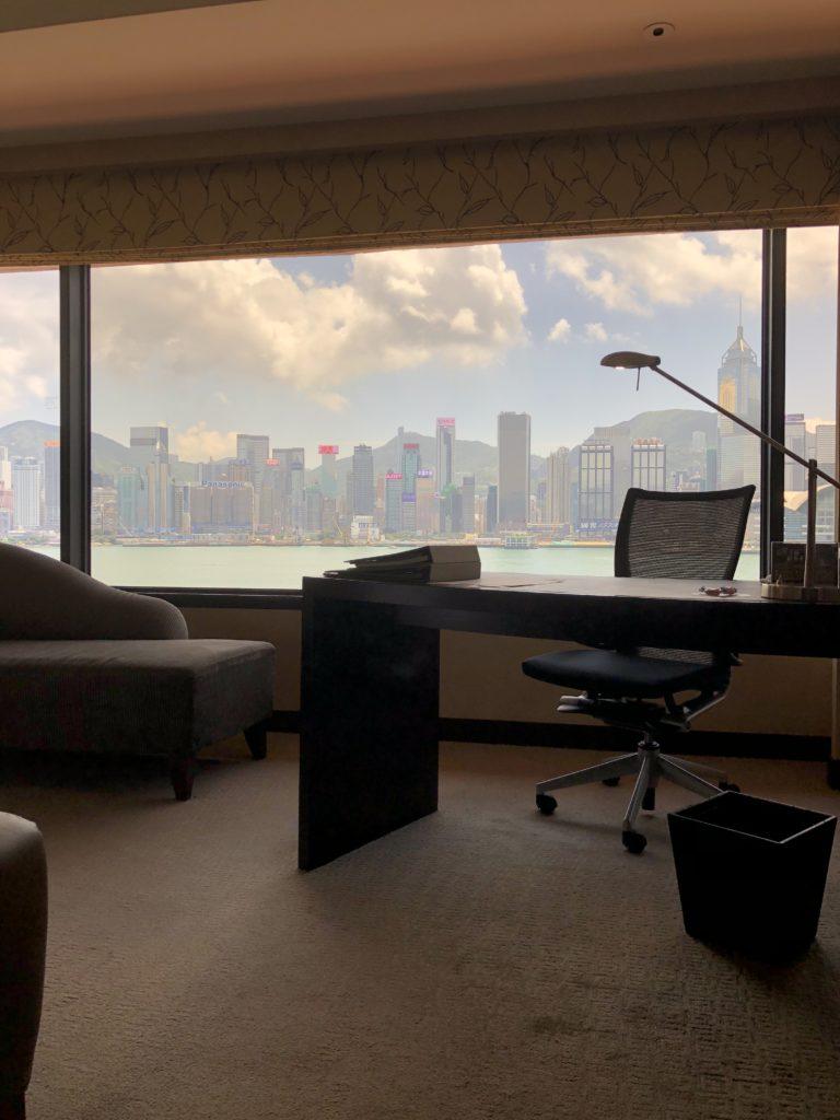 お部屋からのビクトリアハーバーの眺望