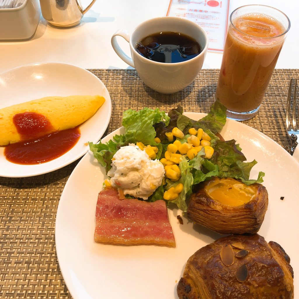 バイキング形式の朝食