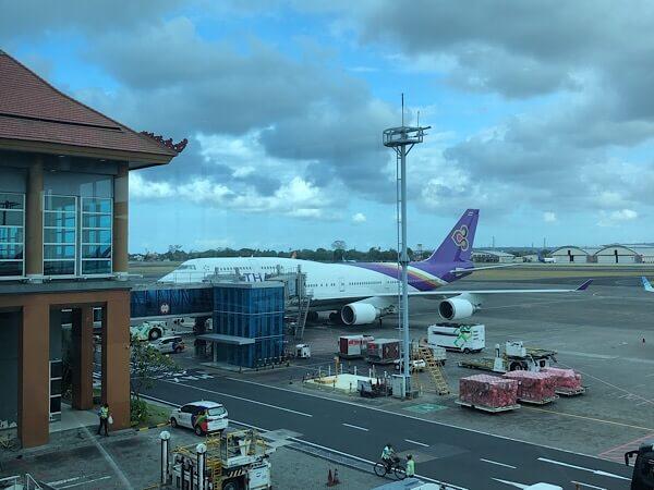 【タイ航空B747ビジネスクラスに搭乗】ジャンボジェットは乗り心地抜群だった!