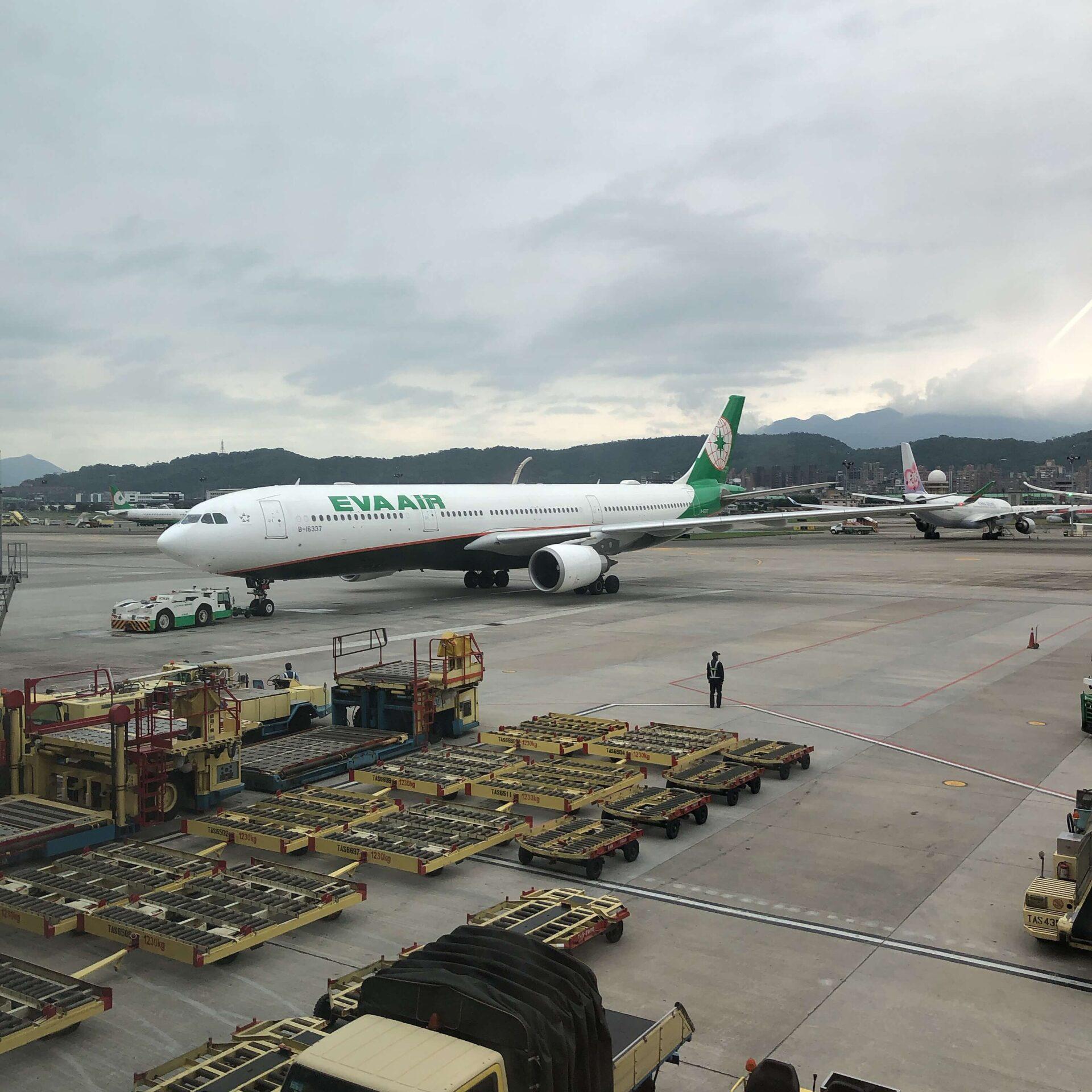 松山空港で撮影したエバー航空の機体