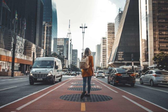 一人旅をしている女性