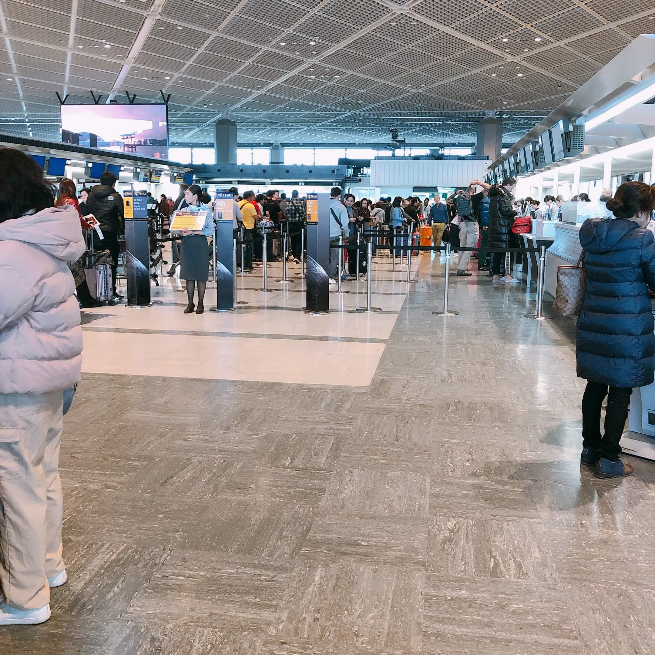タイ航空エコノミークラスチェックインカウンター