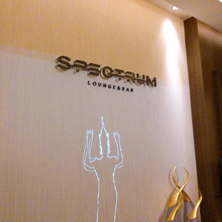 spectrumバーの入り口