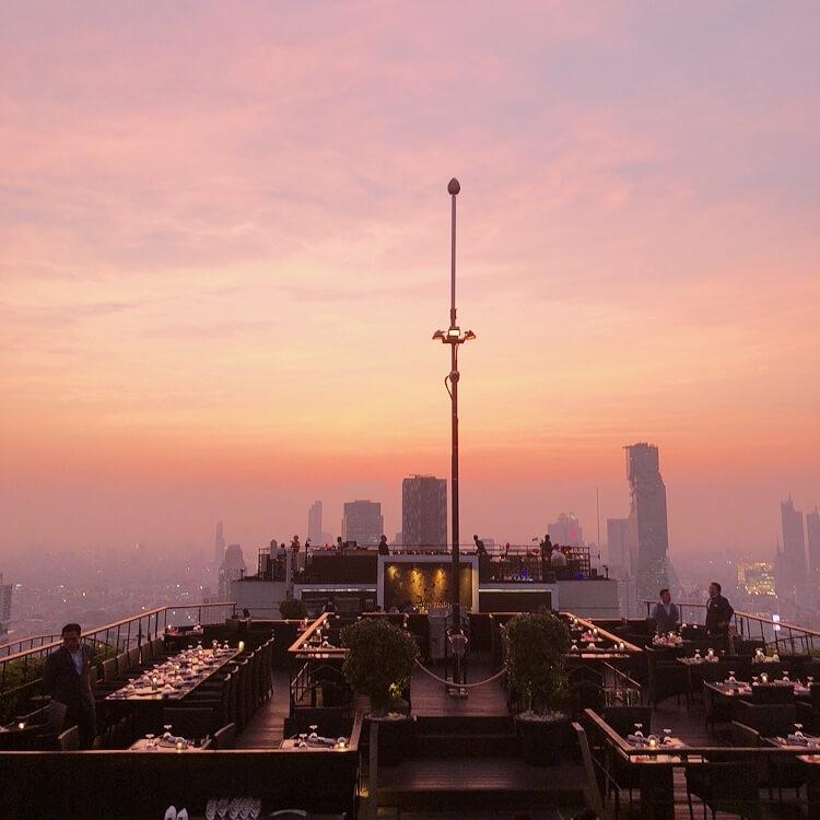 夕焼けに映るバンコクの風景